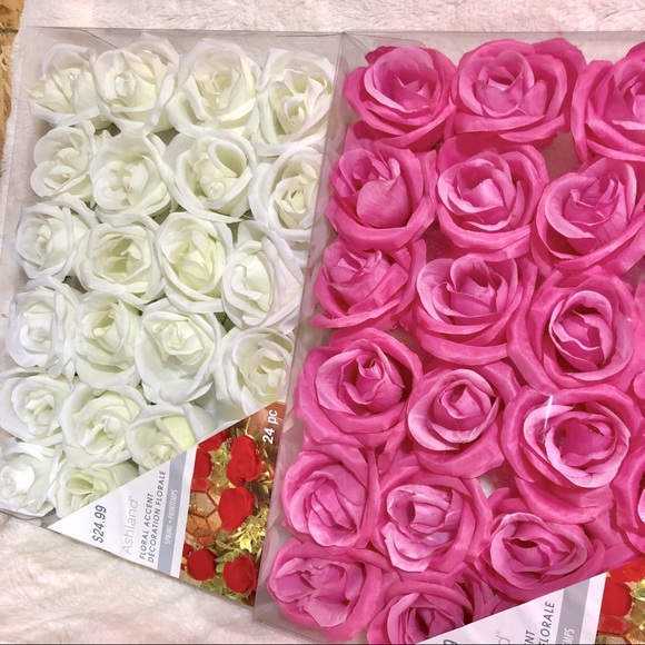 HP🌹 Floral Accent Decoration Pink White Roses
